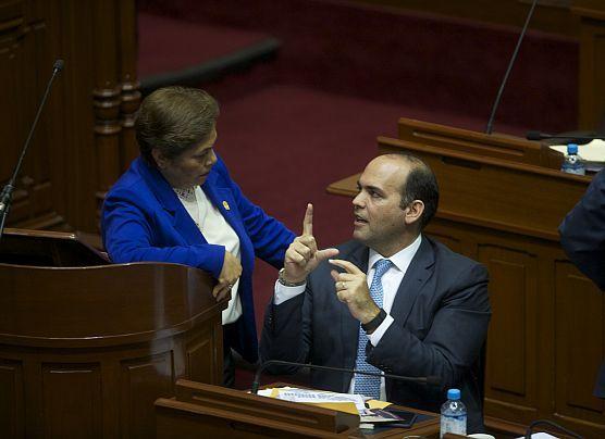 """Zavala va al Congreso """"con optimismo"""" por ley de reconstrucción"""