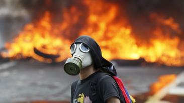 La violencia enciende las calles de Venezuela [FOTOS]