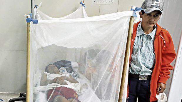 En lo que va del año, 14 personas han fallecido por dengue en el país. En Piura, donde hay más contagios, varios hospitales han colapsado. (Foto: Lino Chipana / El Comercio)