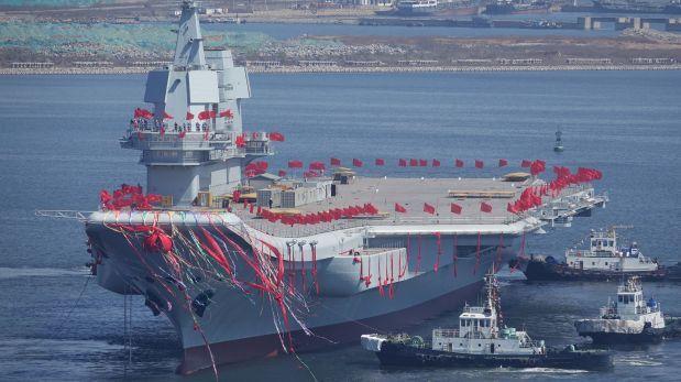 China lanzó su segundo portaaviones