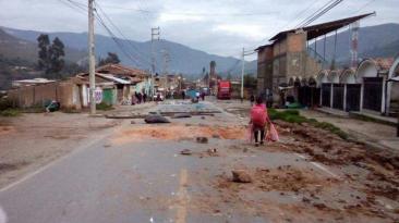 Áncash: movilizaciones en Carhuaz bloquearon principales vías