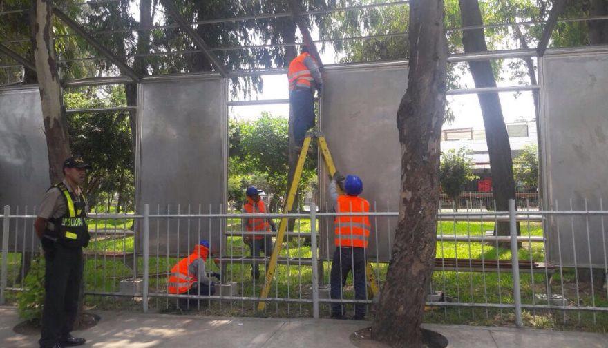 Retirarán insólitos paraderos instalados por la Municipalidad de Lima — Corredor Azul