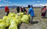 Puno: recogen 18 toneladas de residuos sólidos del río Coata