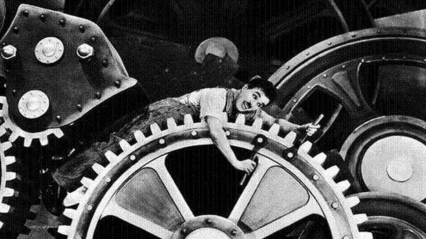 """El Día del Trabajo es una fecha que invita a reflexionar sobre los derechos de los trabajadores, pero no implicará un pago extra este año. En la imagen el genial Charles Chaplin y su mirada a la producción frenética industrial que se vivía en 1936. (Foto: Film """"Modern Times"""" producido por Charles Chaplin)"""