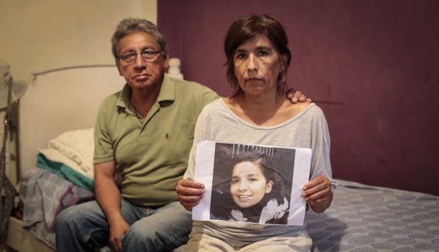 Carlos Rodríguez y su esposa Rosario Áybar aún tienen esperanzas de encontrar con vida a su hija Solsiret. Ella desapareció hace más de ocho meses en el Callao pero hay pocos avances en las pesquisas. (Hugo Pérez/El Comercio)