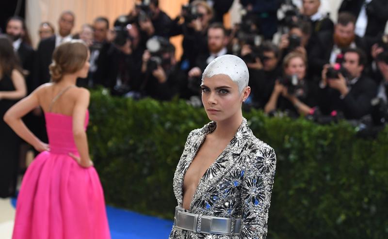 Cara Delevingne revolucionó el mundo virtual por su cambio de look