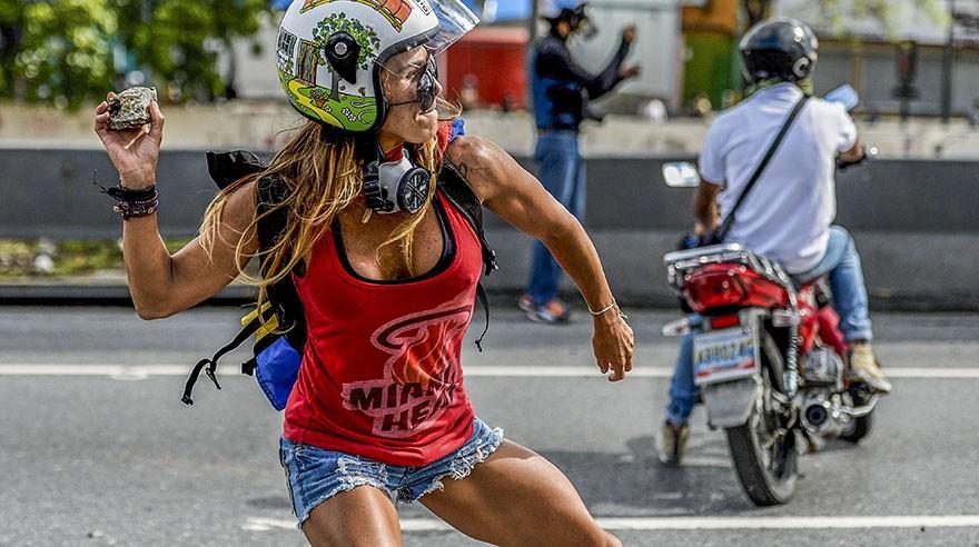 Venezuela. Caterina Ciarcelluti, la modelo que protesta contra Nicolás Maduro. (Foto: AFP)