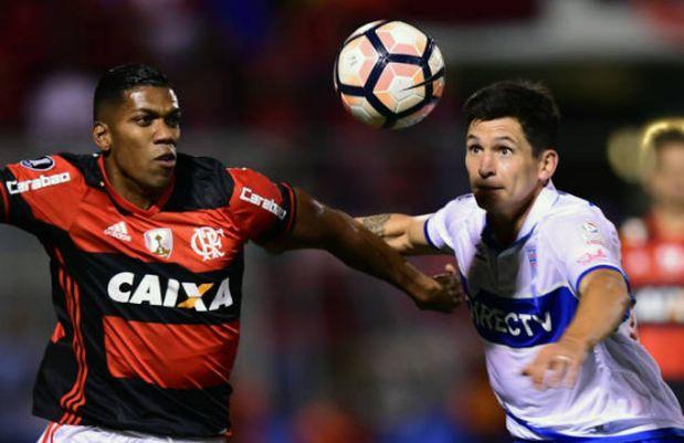 Berrío disputando un partido con Flamengo.  (Foto: Getty Images)