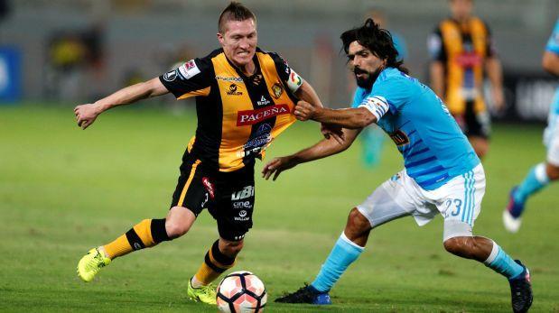 Chemo y sus jugadores fueron recibidos con insultos — Sporting Cristal
