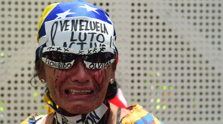 Asciende a 37 número de muertos en protestas en Venezuela