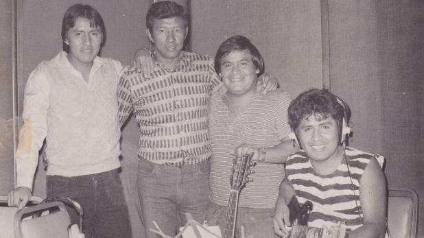 Saldarriaga y los Shapis en estudio (Foto: Archivo Víctor Zela)