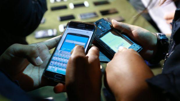 Roban más de seis mil celulares al día en Perú