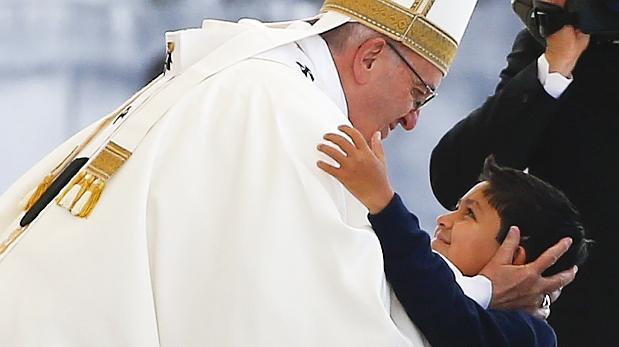 Unos 500.000 fieles asistieron a la misa del papa en Fátima