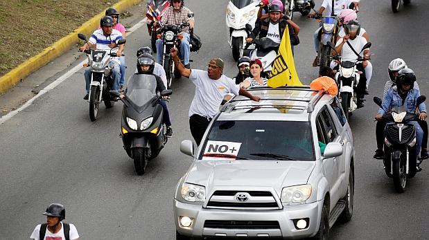 Abuelos desafían a Maduro por grave crisis de salud