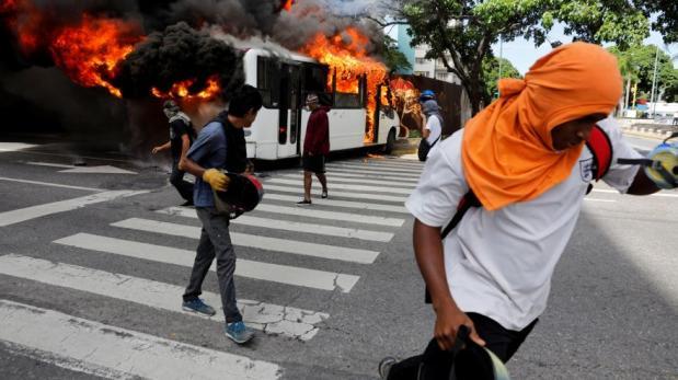 Responsabilizan a Julio Borges de desestabilización en Venezuela