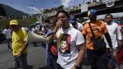 Venezuela: policía es herido en plantón por un