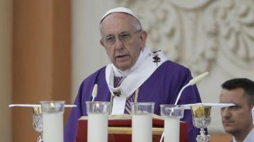 El papa visitaría Perú el 2018, según arzobispo de Arequipa