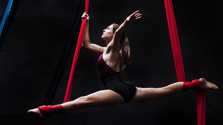 Soledad Ortiz, trapecista de La Tarumba, quien ahora hace giras por Europa
