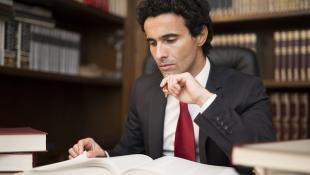 ¿Cómo han evolucionado los estudios de abogados en el Perú?