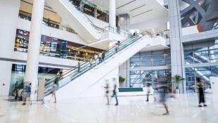 ¿Por que los centros comerciales deben tener tiendas virtuales?
