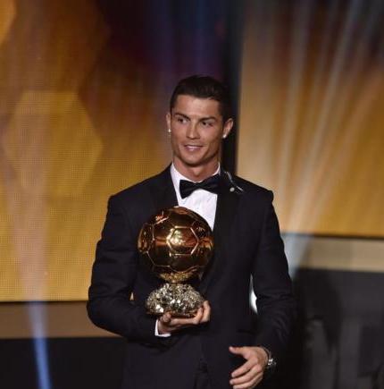 Cristiano seguirá en el Real Madrid 2 años más