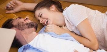 Reír con tu pareja es saludable