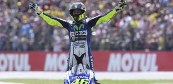 Valentino Rossi sigue arriba