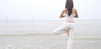 Yoga para combatir la resaca