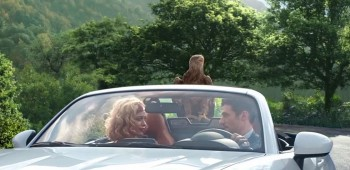 Águila protagoniza spot de Fiat