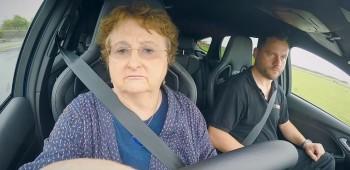 Abuela derrapa Ford Focus RS
