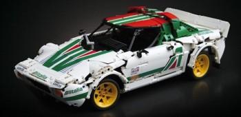 Lancia Stratos creado con Lego