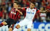 Con Guerrero y Trauco, Flamengo cayó de visita ante Paranaense
