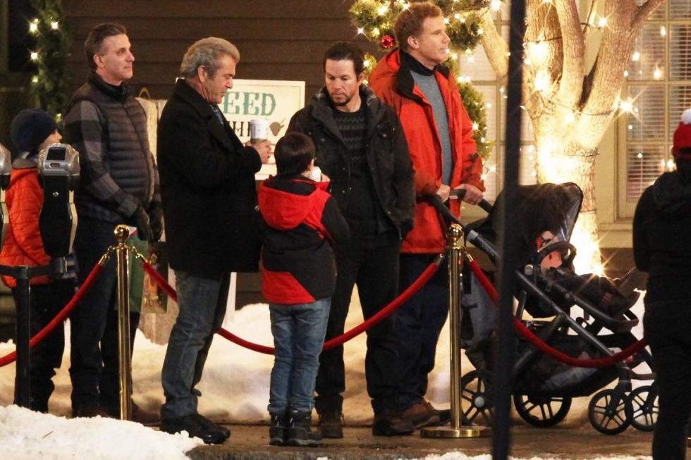 Secuela del éxito mundial del 2015, papá y segundo papá, Dusty (Mark Wahlberg) y Brad (Will Ferrell) unen fuerzas para darle a sus hijos la Navidad perfecta. Sin embargo, esta nueva alianza se pone a prueba cuando el macho, rudo y clásico padre de Dusty (Mel Gibson) y el ultra-cariñoso y emocional padre de Brad (John Lithgow) llegan justo a tiempo para convertir las fiestas navideñas en un total caos.