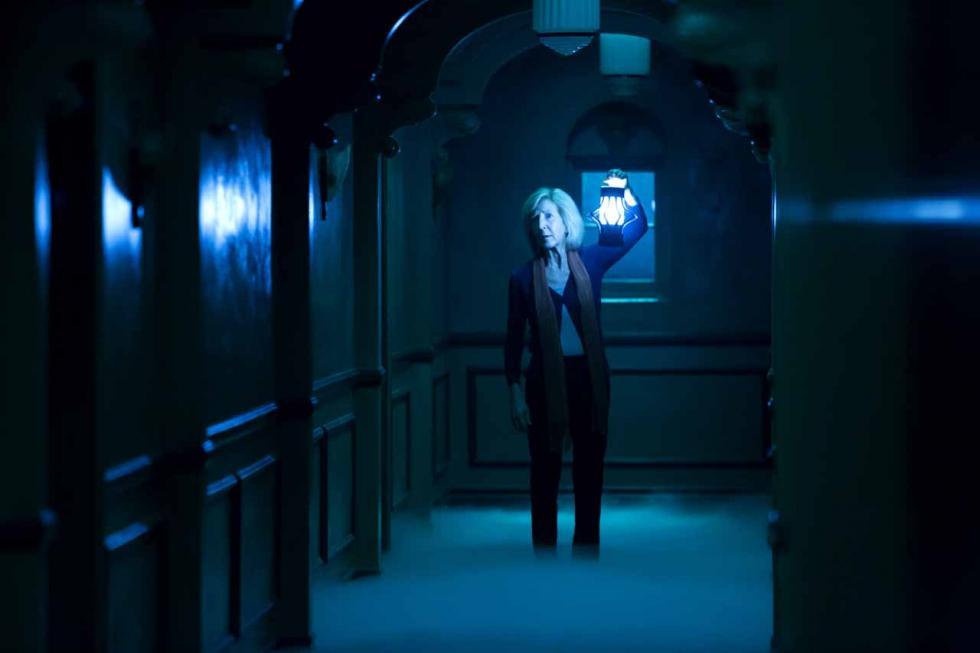 La parapsicóloga Elise Rainier afronta su caso sobrenatural más terrorífico: en su propia casa. Cuarta entrega de la saga 'Insidious'.