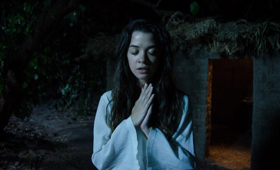 La película retrata, a través de fragmentos representativos de la vida de Santa Rosa de Lima, la significación de su ardiente existencia y de su muy personal y desgarrada búsqueda de trascendencia espiritual mediante la experiencia mística, durante el siglo XVII en el Virreinato del Perú.