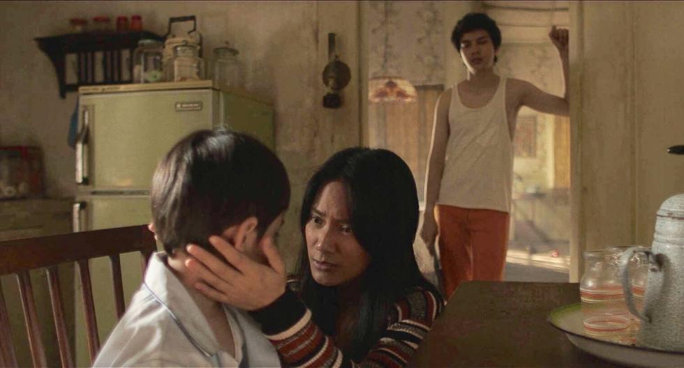 """Remake del film indonesio """"Satan's Slave"""" (Pengabdi Setan), estrenado en 1982 y dirigido por Sisworo Gautama Putra, que a su vez era un remake de """"Phantasma"""" de Don Coscarelli."""