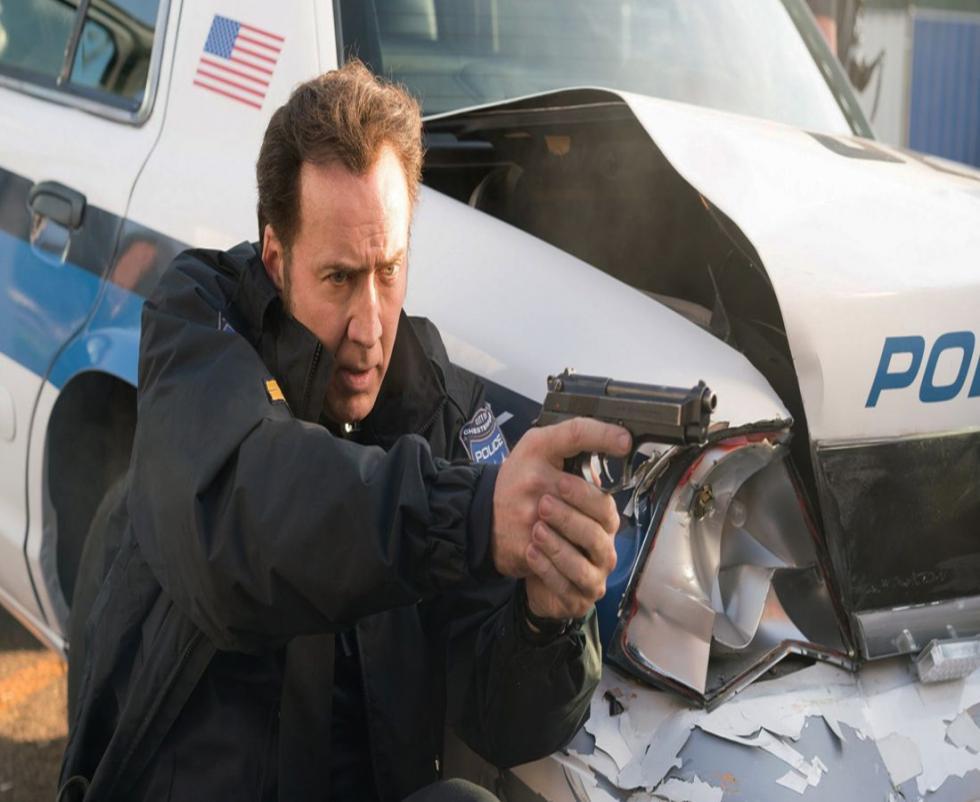 El oficial de policía Mike Chandler (Nicolas Cage) y un joven civil se ven envueltos en un robo de un banco que están llevando a cabo unos hombres armados... Inspirada en hechos reales.