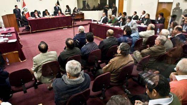 Montesinos y ex Colina deben pagar millonaria reparación al Estado