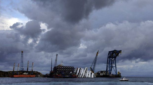 FOTOS: Familia de peruana Érika Soria le rindió homenaje a un año del naufragio del Costa Concordia