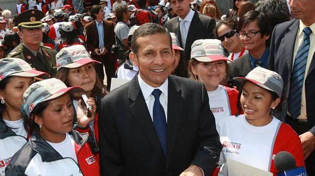 Ollanta Humala despidió a jóvenes de Beca 18 que viajarán al extranjero