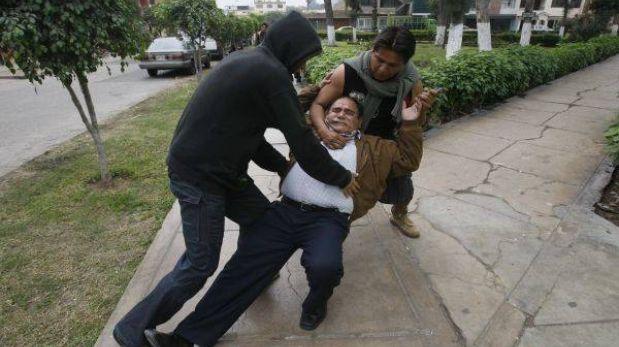 Otro asalto a cambistas: 'marcas' los golpearon y les robaron S/.56 mil