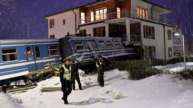 Robó un tren pero lo chocó contra una casa en Suecia