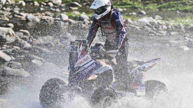 Dakar 2013: Pilotos peruanos Ignacio Flores y Kike Umbert siguen en carrera