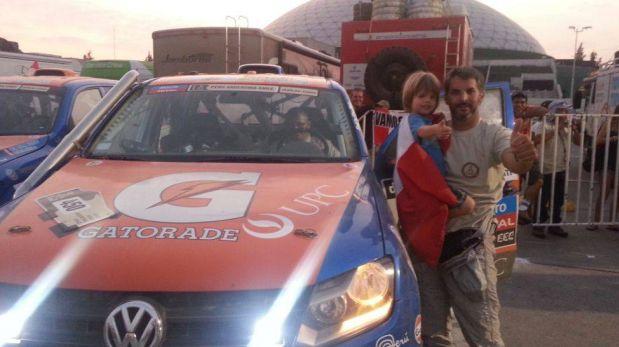 FOTOS: la alegría de los pilotos peruanos que lograron terminar el Dakar 2013