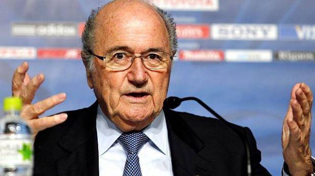 La FIFA evalúa castigar el racismo con retiro de puntos y descenso
