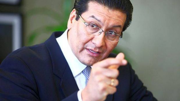 "Ministro Paredes: ""Si Telefónica incumple contrato se impondrá fuertes multas"""