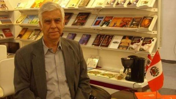 Escritor Alonso Cueto representa al Perú en Tibe 2013