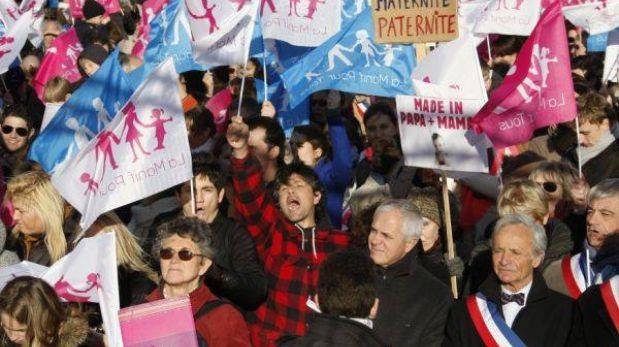 Parlamento francés dio primer paso para aprobar el matrimonio gay
