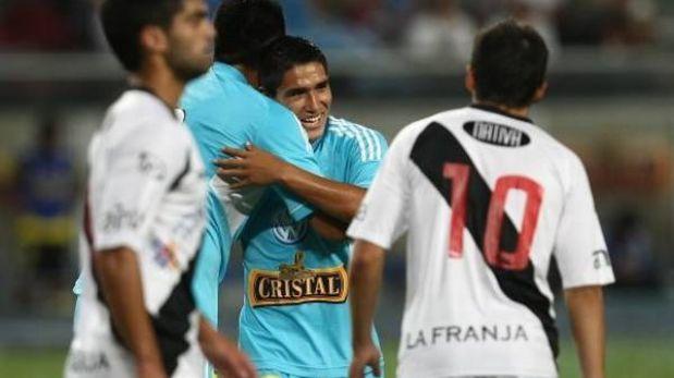 Cristal aplastó 6-1 al Danubio de Uruguay en la Noche de la raza celeste