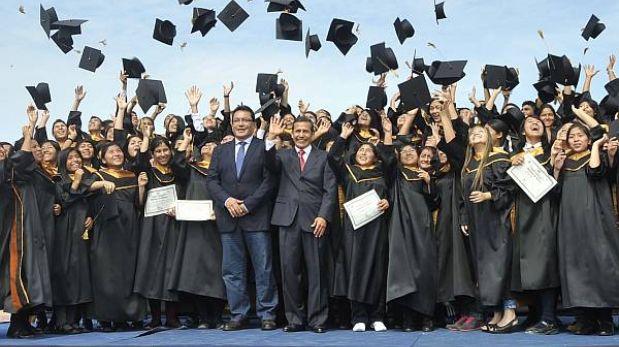 Ollanta Humala pidió a gobiernos regionales replicar programa Beca 18